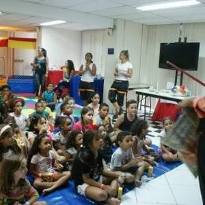 Um dia especial na construção de valores, afeto e uma imagem positiva do trabalho para as crianças