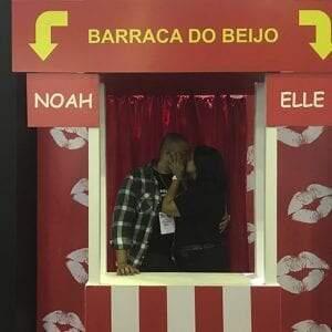 Tradicional em Festas Juninas, barraca do beijo faz sucesso aquecendo todo o inverno